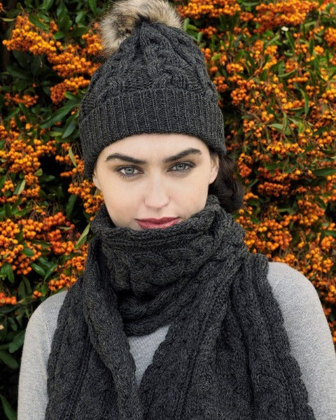 Cable Knit pom pom hat charcoal