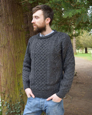 Light aran in charcoal