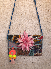 Load image into Gallery viewer, Tonia Flowers Clutch