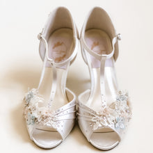 Load image into Gallery viewer, Harebell Bridal Shoes