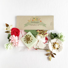 "Load image into Gallery viewer, Heartgrooves Handmade Felt Flower Craft Kit ""Strawberry Mint Mini"""