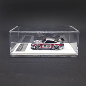 FuelMe Models 1:64 Rauh-Welt Begriff Rough Rythm-Martini
