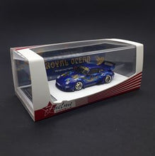 Load image into Gallery viewer, FuelMe Models 1:64 Rauh-Welt Begriff Royal Ocean