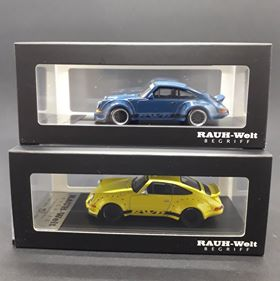 Model Collect 1:64 RWB 930 Ducktail Wing Yellow/Blue