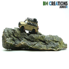 Load image into Gallery viewer, BM Creations Junior 1:64 Mitsubishi Pajero (Matte Ivory)