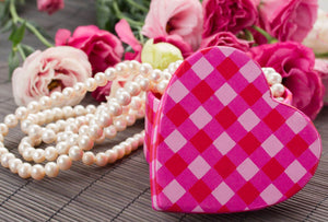 Alexis' Heirloom Pearl Necklace Chapter 16: Valentine's Day
