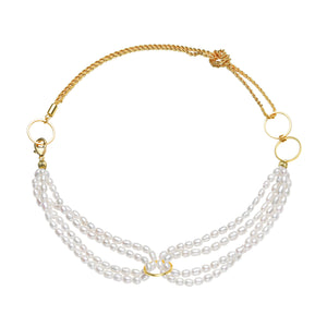 Contemporary Golden Rings Pearl Necklace