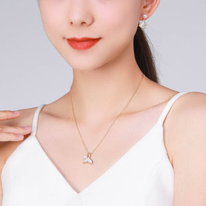 G14K The Mermaid Whale Tail Pearl Pendant