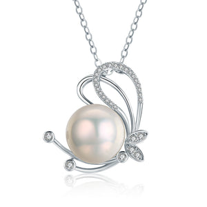 Flirtatious Edison Pearl Necklace