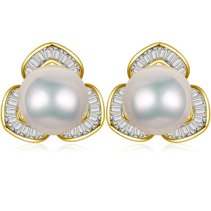 Mariposa Lily Pearl Studs Earrings