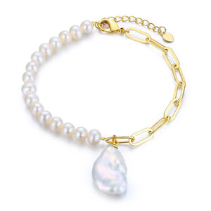 Bold and Classic Pearl Bracelet