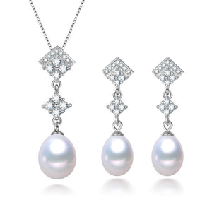 Glamorous Pearl Earrings & Necklace Gift Set