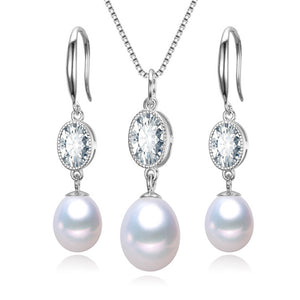 Glistening Pearl Earrings & Necklace Gift Set