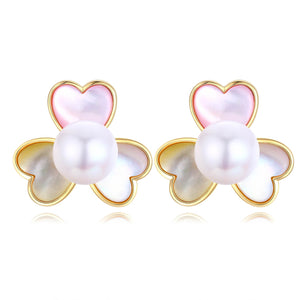 Petunia Pearl Earrings