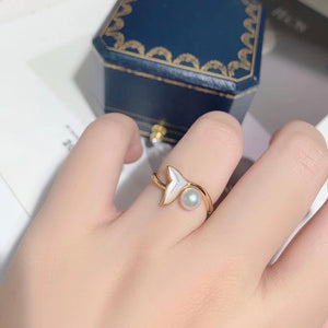 G14K The Mermaid Whale Tail Pearl Ring