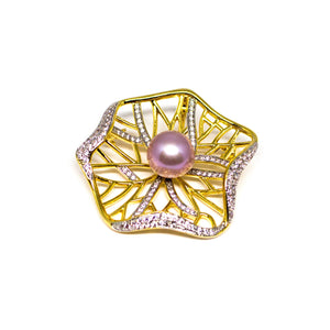 Victoria Amazonica Edison Pearl Brooch - Timeless Pearl