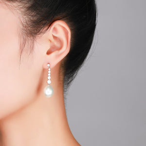 Magic Crystals Edison Pearl Earrings - Timeless Pearl
