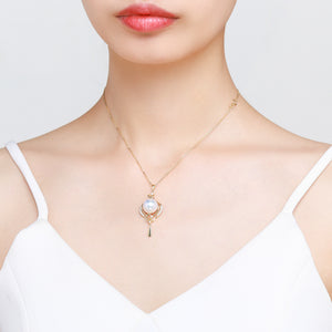 Chic Chandelier Pearl Necklace - Timeless Pearl