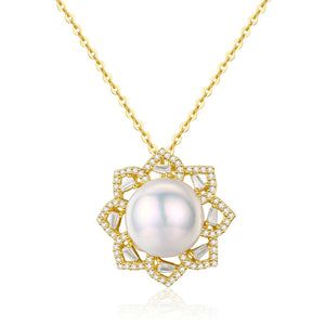Octagram Golden Wreath Pearl Necklace - Timeless Pearl