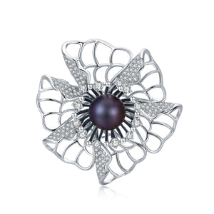 Charlotte's Web Black Pearl Brooch - Timeless Pearl