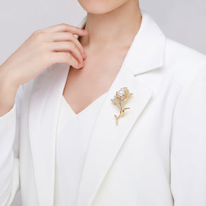 Majestic Lily Pearl Brooch - Timeless Pearl