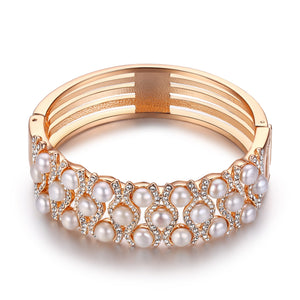 Golden Pearl Cuff - Timeless Pearl