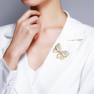 GOLD RIBBON EDISON PEARL BROOCH - Timeless Pearl