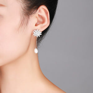 Frozen Queen Snowflake Pearl Earrings - Timeless Pearl