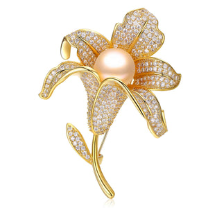 BLOOMING LILIES EDISON PEARL BROOCH - Timeless Pearl