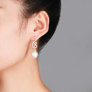 Golden Fairy Edison Pearl Earrings - Timeless Pearl
