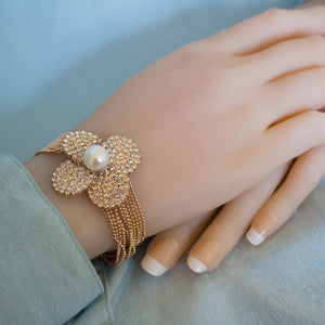 GOLDEN FLOWER PEARL BRACELET - Timeless Pearl