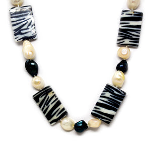 Zebra Fashion Pearl Necklace - Timeless Pearl