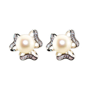 Three Leaf Clover Earrings - Timeless Pearl
