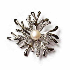 SILVERY SNOWFLAKE PEARL BROOCH - Timeless Pearl
