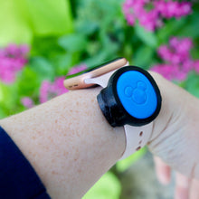 Load image into Gallery viewer, FLEXIBLE Puck Holder for Smart Watch Bands MagicBand 2