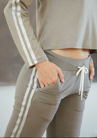 SUPERSOFT VINTAGE SPORTY SWEATS W/GITTER STRIPE - The SMITH