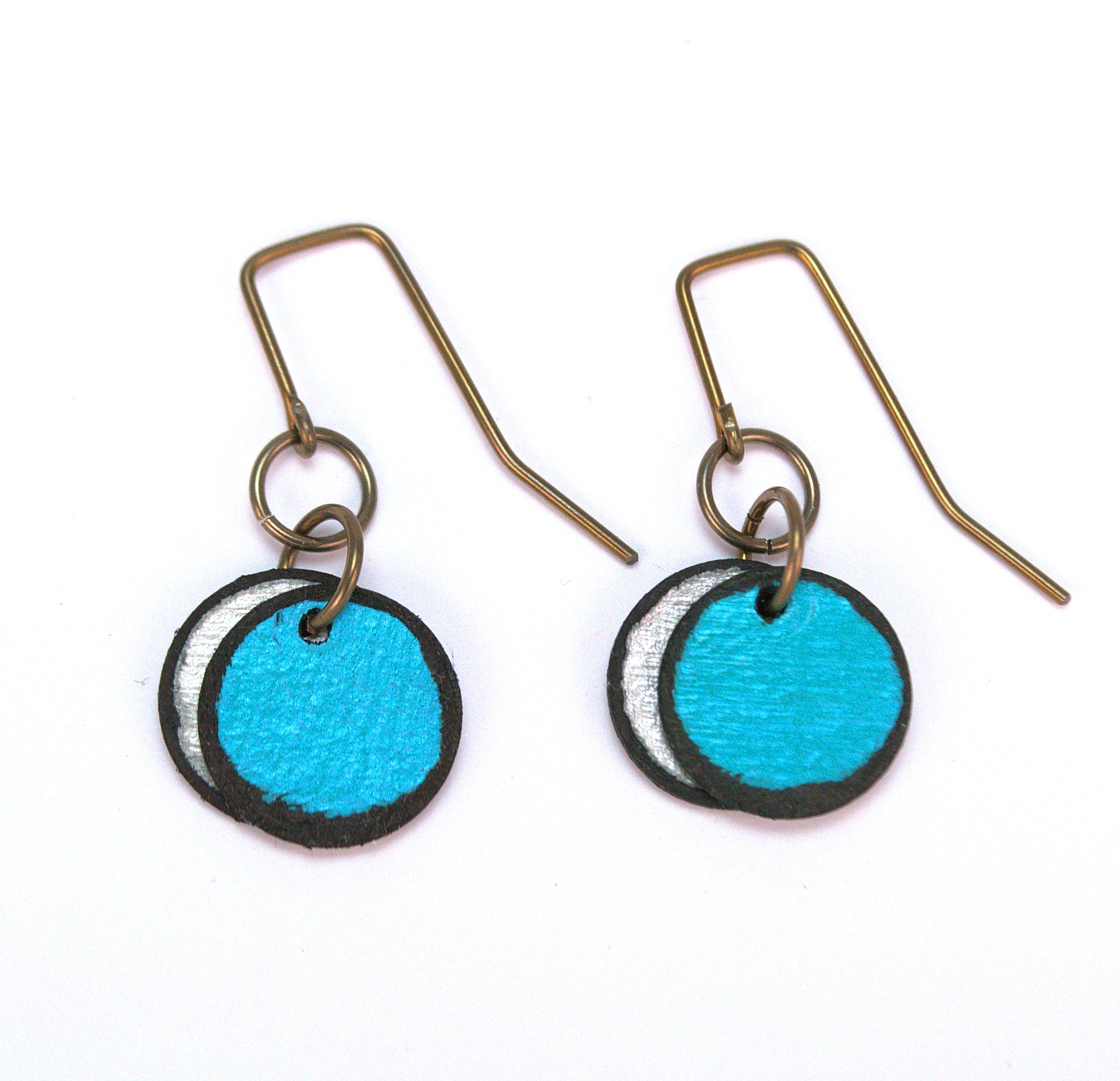 Turquoise double circle earrings made from rawhide, super lightweight