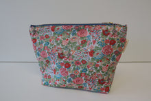 Load image into Gallery viewer, Liberty Of London Make-up Bag