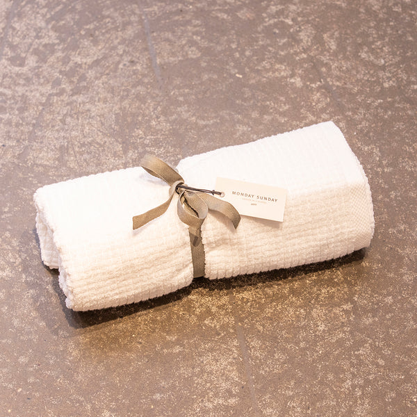 Monday Sunday Trine Cube Towel 70x140 Towels White