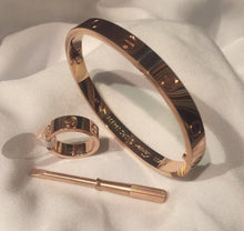 Load image into Gallery viewer, Cartier Love Bracelet