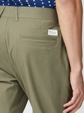 Load image into Gallery viewer, Signature Skinny Stretch Chinos
