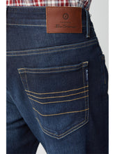 Load image into Gallery viewer, Skinny Vintage Wash Jean