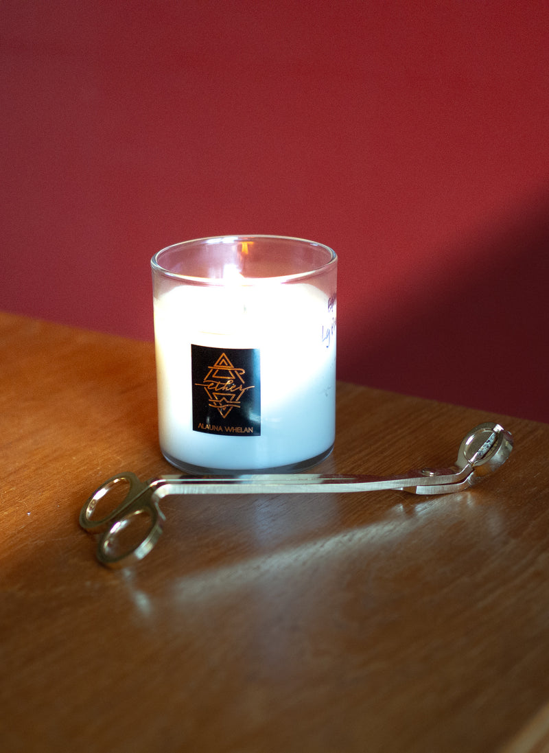 luxury candle with gold wick trimmers
