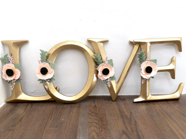 LOVE sign / wedding sign / Gold Letters with Flowers / Nursery Decor / Nursery Sign / Letters with Flowers / Felt Flowers