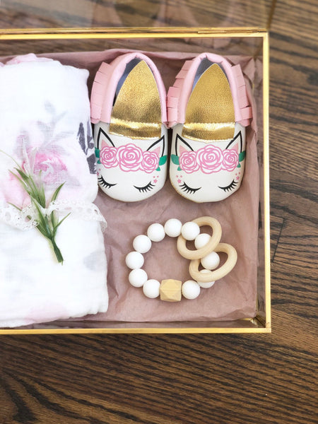 Unicorn Baby gift set,  Unicorn Baby Shower Gift, Newborn Gift Box, Personalized Baby Gift, Unicorn Birthday Gift, Baby Gift with Name