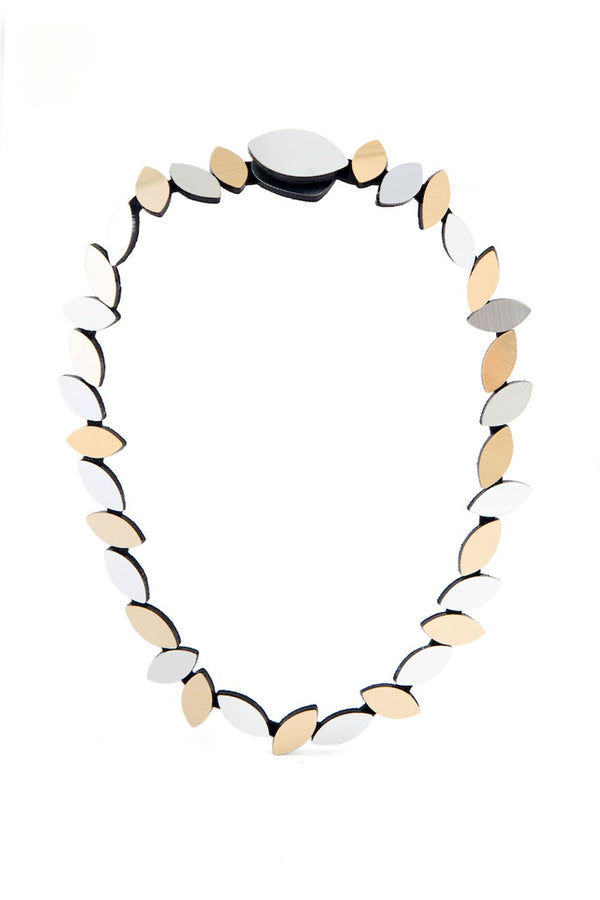 Kate Leaves Round Necklace - Silver & Gold