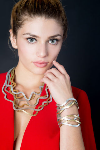 Best-seller! Curves Duo Large Necklace - Two Layers of Leather - Laser Cut