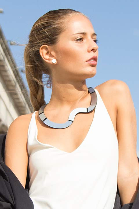 Mies Necklace Wave Short