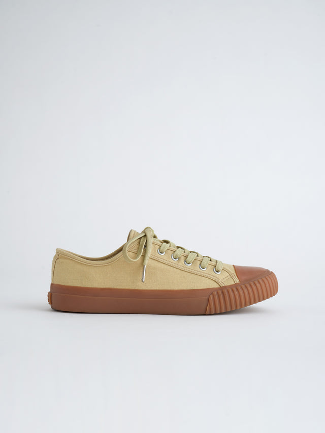 Alex Mill Finds: Bata Heritage Low Top in Light Khaki