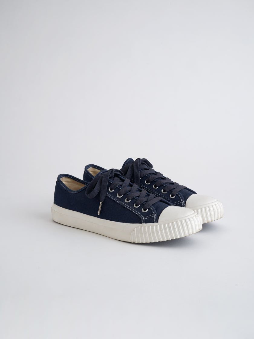 Alex Mill Finds: Bata Heritage Low Top in Navy